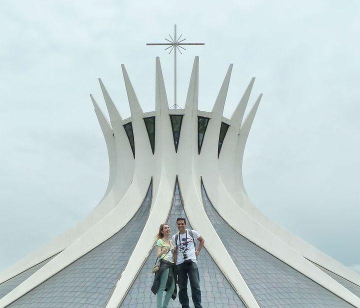 catedral metropolitana em dia nublado