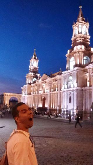 Curtindo muito a Plaza de Arequipa