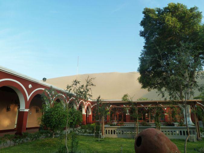 DM hotel Mossone em Huacachina