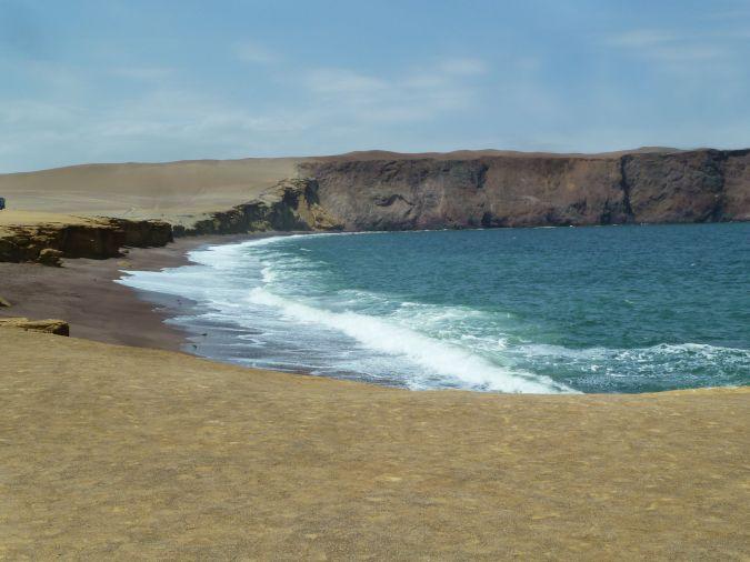 playa roja reserva de paracas