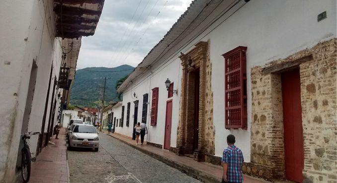 pueblos-da-colombia-santa-fe-de-antioquia-a-um-bate-e-volta-de-medellin
