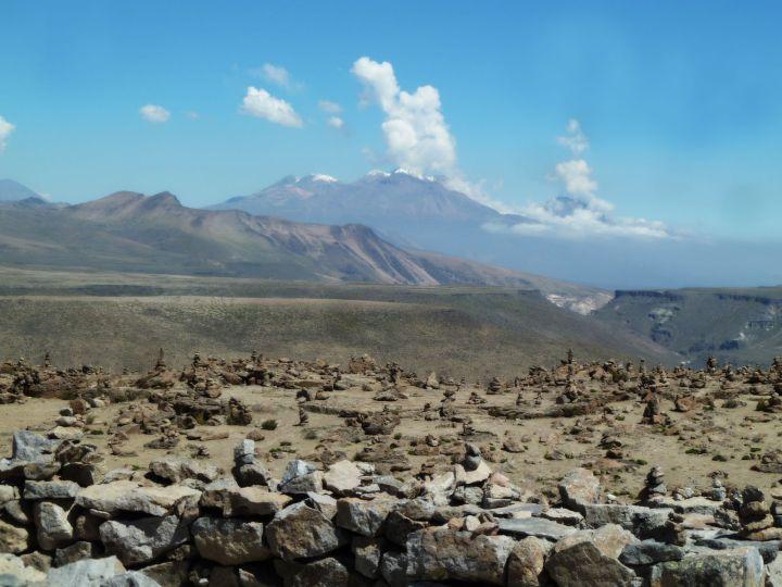 vulcao-lindo-no-valle-del-colca