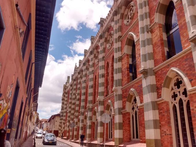 ruas no centro histórico de Bogotá