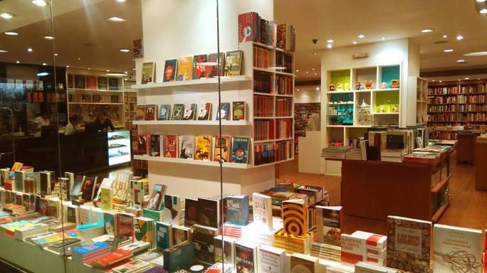 livraria-blooks-no-rio-de-janeiro-uma-das-melhores-livrarias-de-botafogo