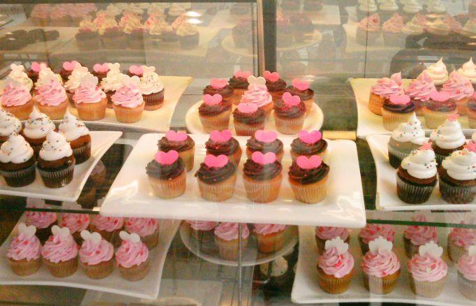 cupcakes-rosas-com-coracao-na-casa-da-barbie-em-buenos-aires