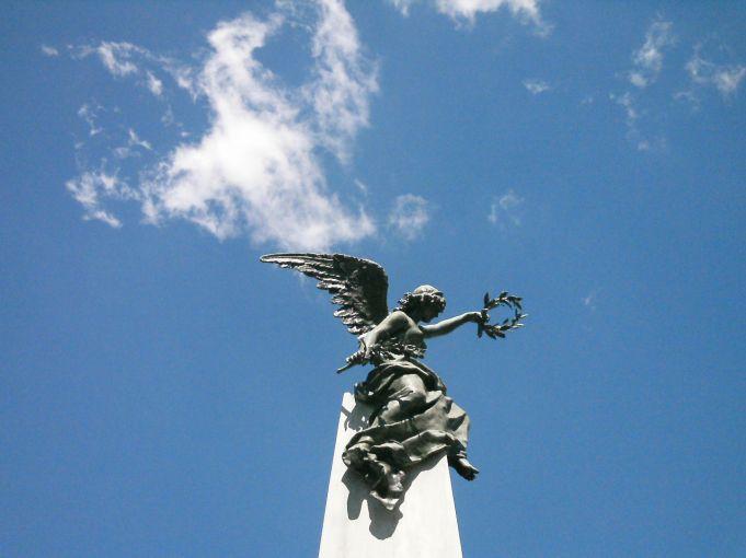 estatuas-no-cemiterio-da-recoleta-em-buenos-aires