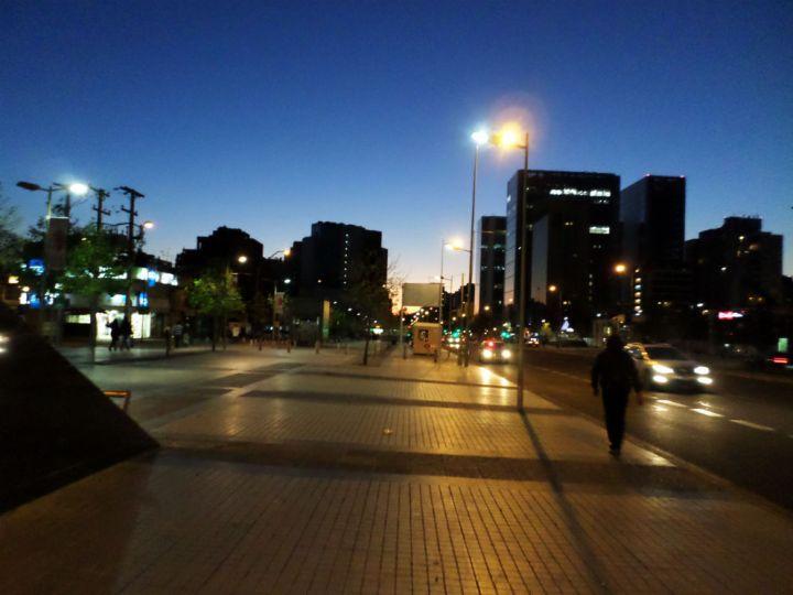 Ruas limpas e organizadas de Las Condes Santiago Estacao Manquehue