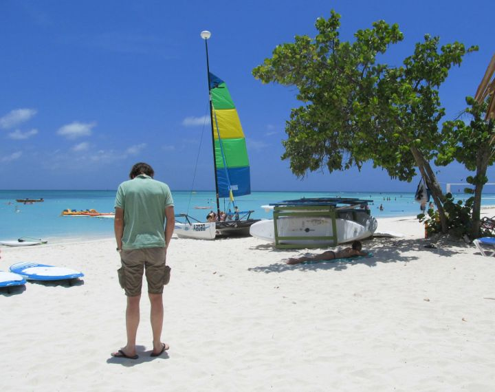 onde se hospedar em aruba palm beach a praia mais agitada.jpg