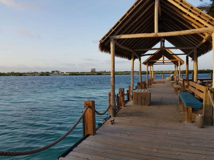 onde se hospedar em aruba pier renaissance island flamingo beach.jpg