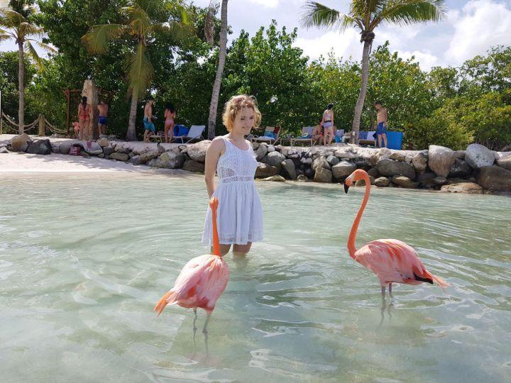 como é o renaissance hotel e resort e a renaissance island flamingo beach
