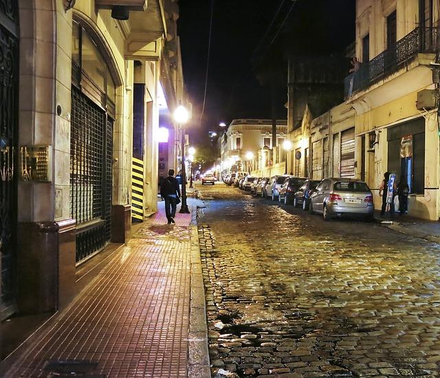 Lista dos melhores e piores bairros em Buenos Aires pra se hospedar (na foto, San Telmo)